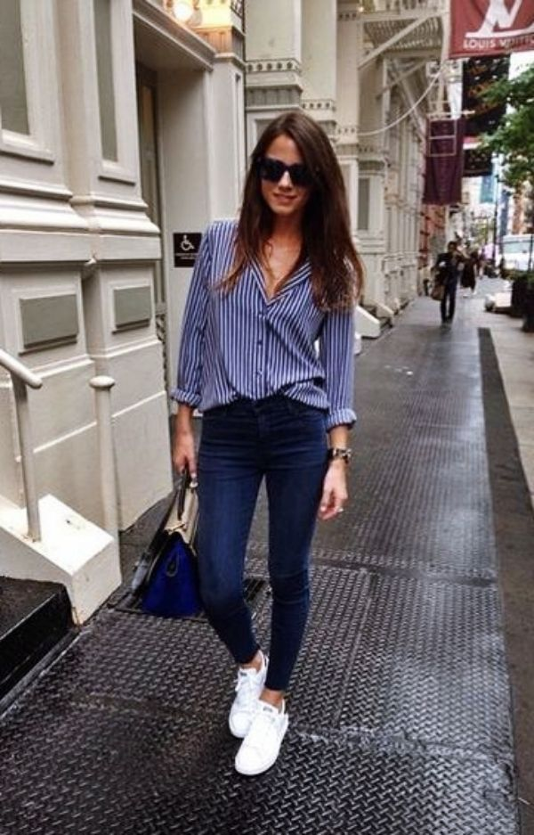 101 Informal Work Outfits With Sneakers 17