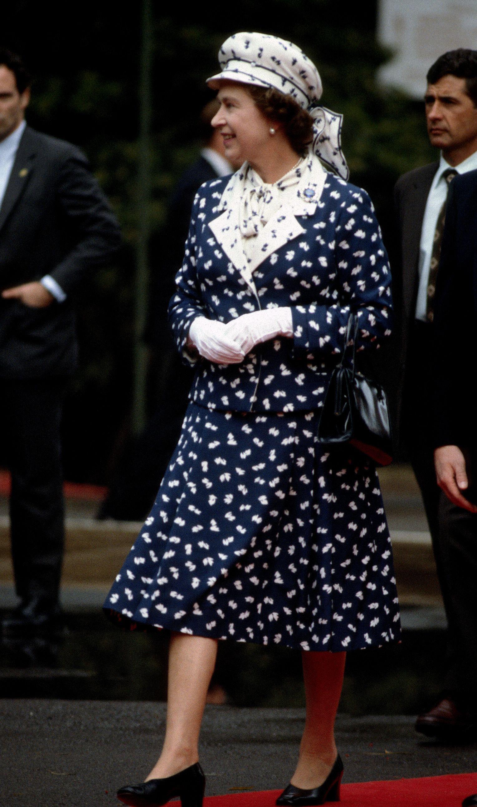 Queen Elizabeth S Most Iconic Style Moments Queen Hat Queen Elizabeth Sparkly Gown [ 2583 x 1529 Pixel ]