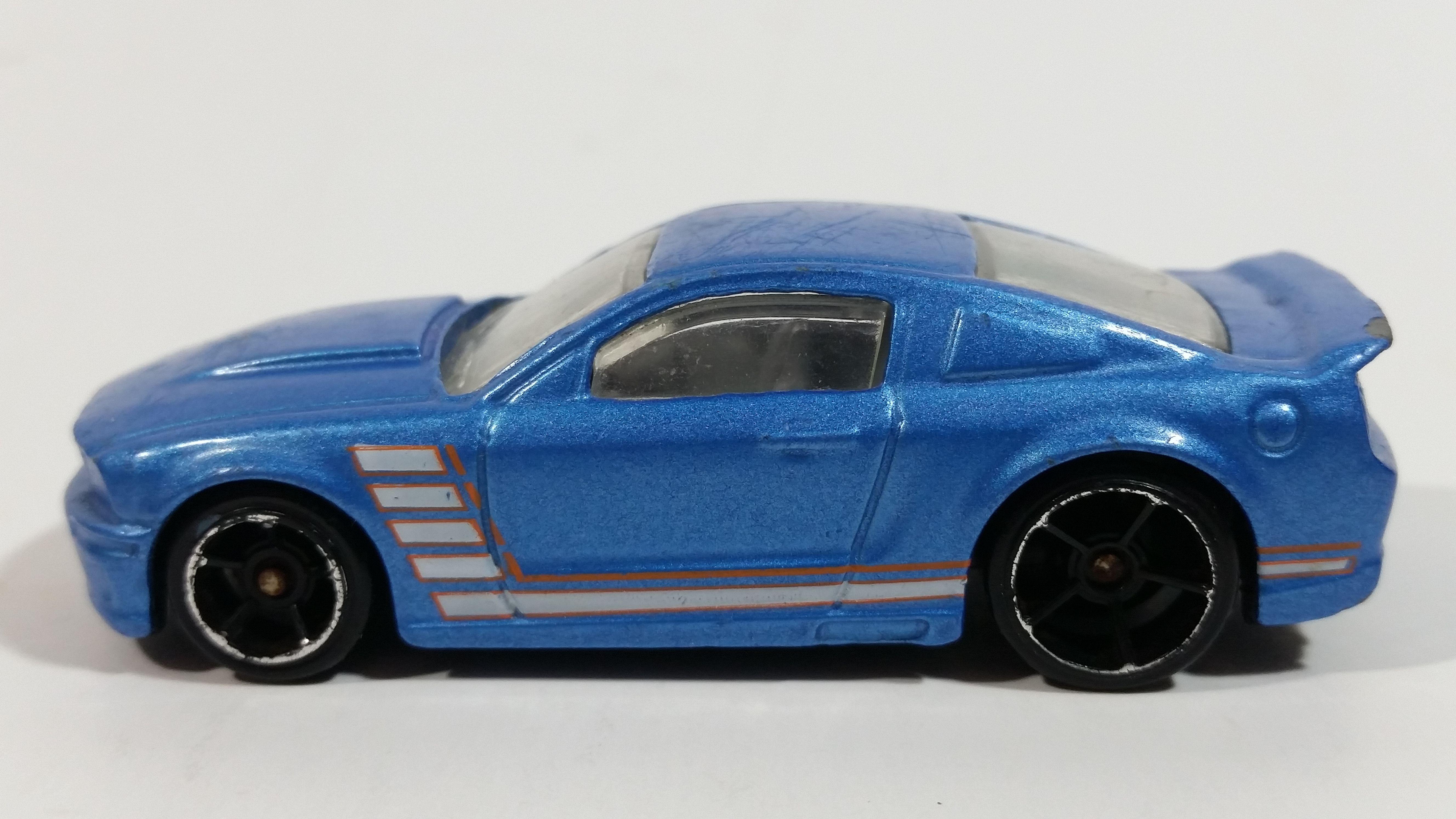 2009 Hot Wheels Mustang 45th Custom 07 Ford Mustang Blue Die Cast