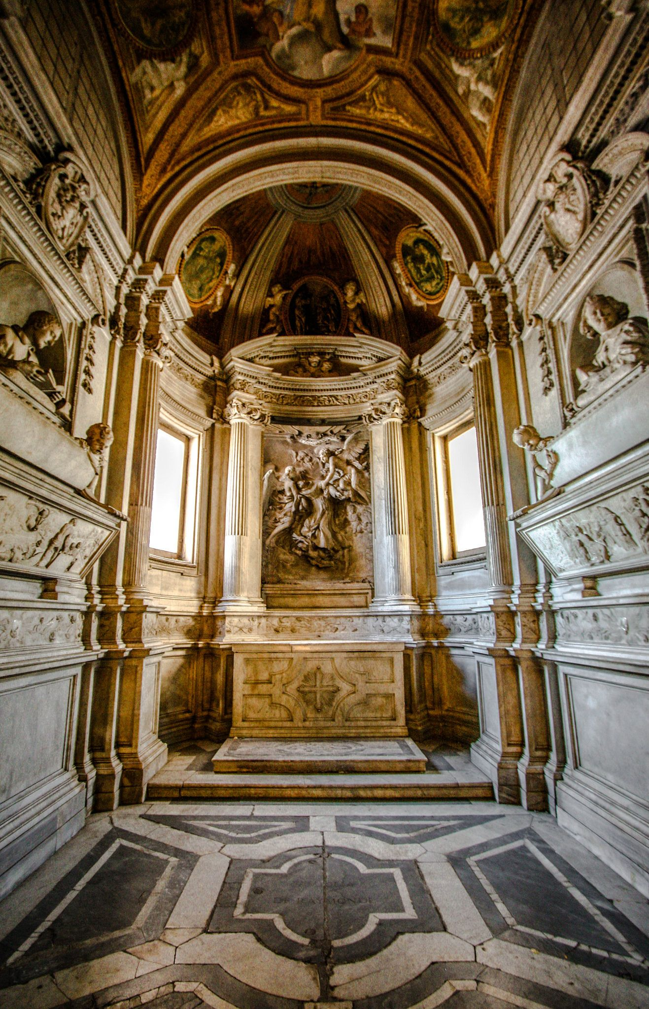An early work by Bernini Интерьер