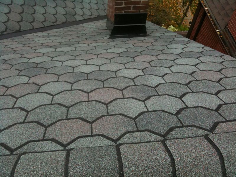 Toronto Roof With Certainteed Carriage House Shingles East York Toronto Toronto Roofing Flat Asphalt Cedar Slate Roo Shingle House Roofing House Roof