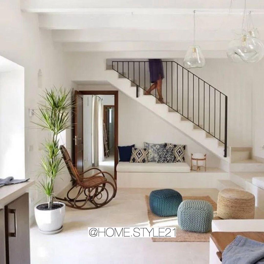 Home Style ديكورات منزليه On Instagram حاولوا قد ماتقدرون ماتخلون المساحه تحت الدرج فاضيه اقلها تخ Interior Design Your Home Staircase Design Diy Staircase