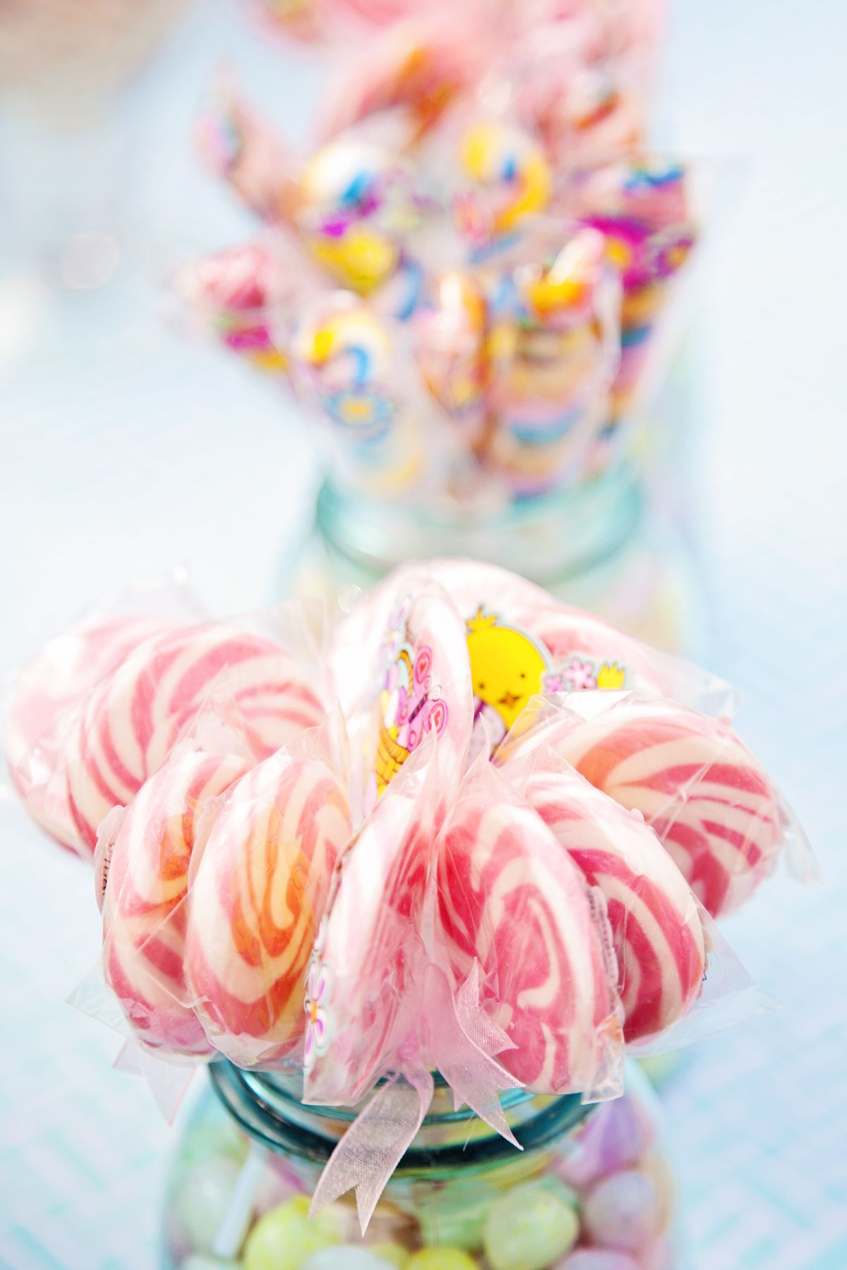 Candy bouquets in mason jars - jelly beans & lollipops; candy table ...