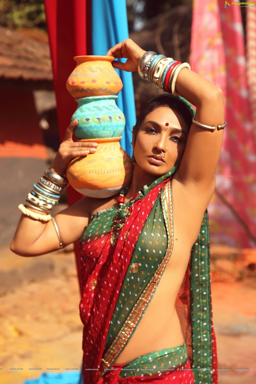 Hairy Armpit Indian Aunty inside hot armpit,actress armpit,indian armpit,actress armpit photos