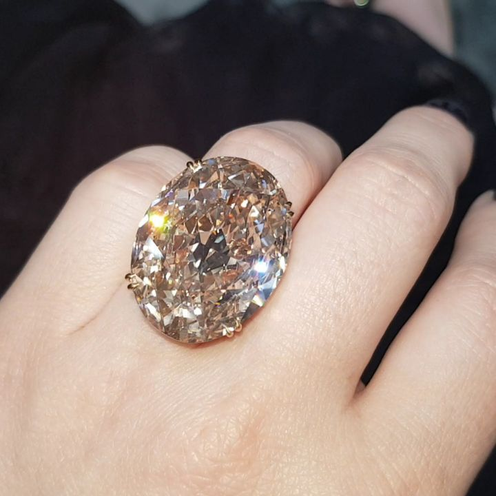 30 Carat Fancy Yellow Brown Jewellery Masterpiece Brown Diamond Brown Diamond Ring Unique Diamond Rings