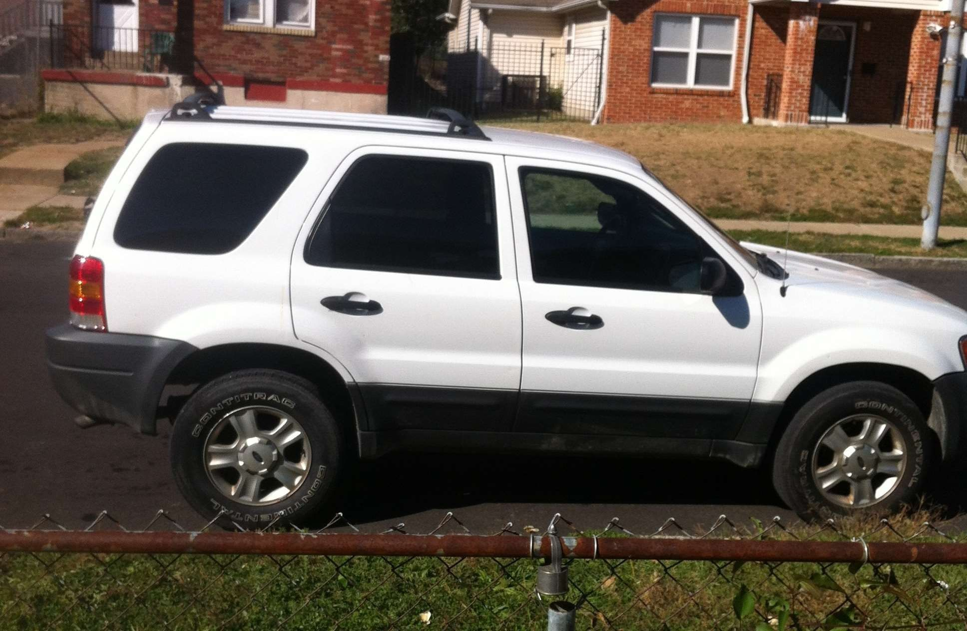 Buy Sell Used Cars 2004 FORD ESCAPE in ST LOUIS , MO