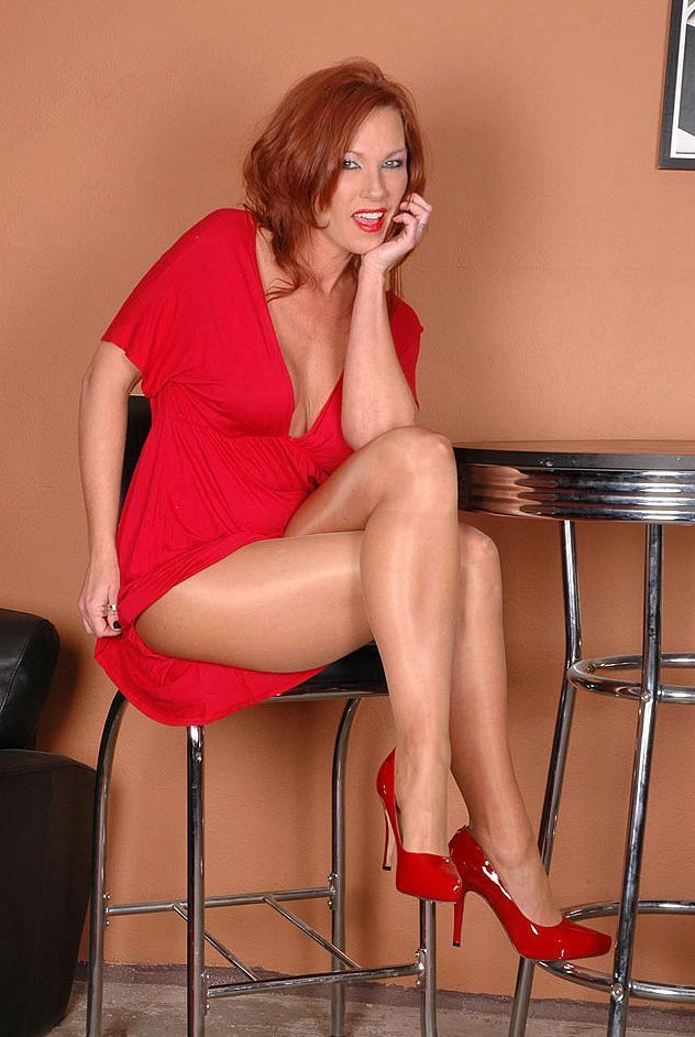 beauty-mature-redhead-black-mother-daughter-sex-tube
