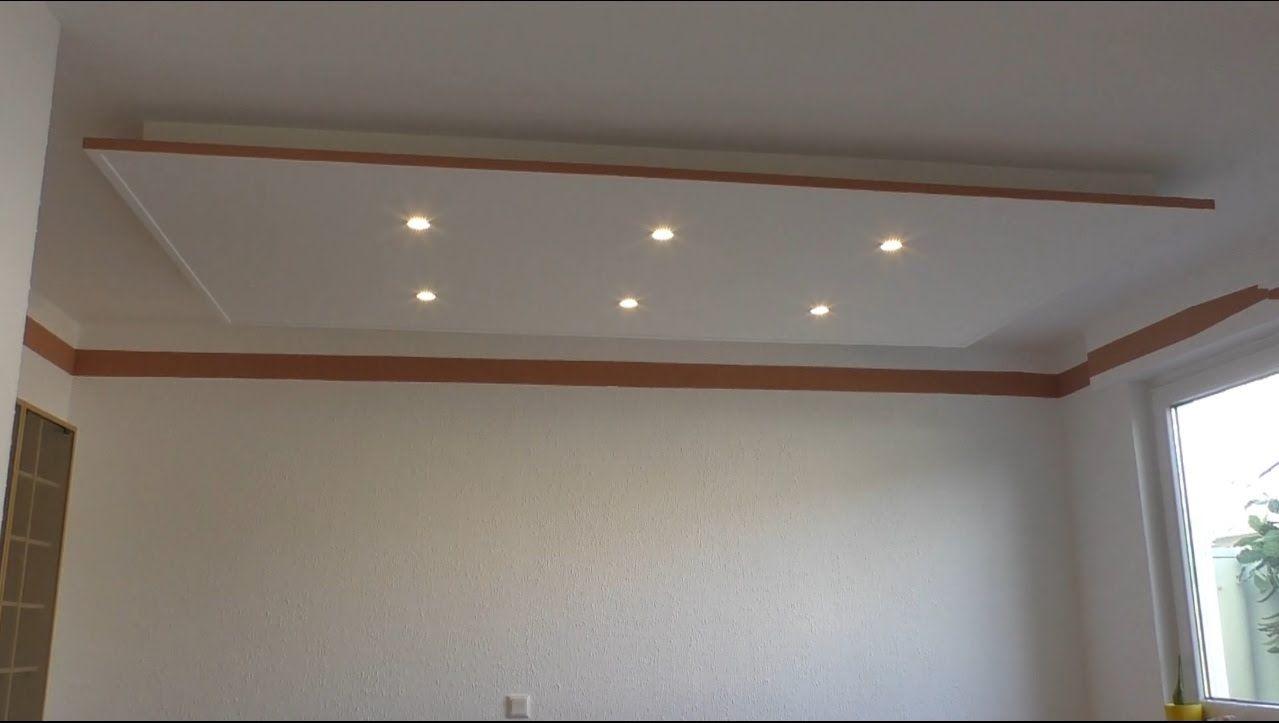 Decke Abhangen Und Led Strahler Und Led Strips Light Einbauen Led Strahler Kuchendeckenleuchten Beleuchtung Wohnzimmer