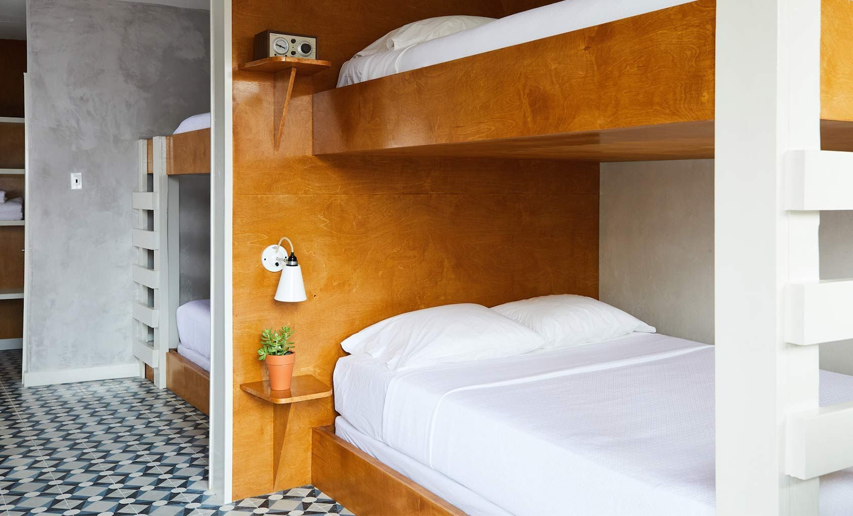 the drifter hotel new orleans usa mid century rh br pinterest com