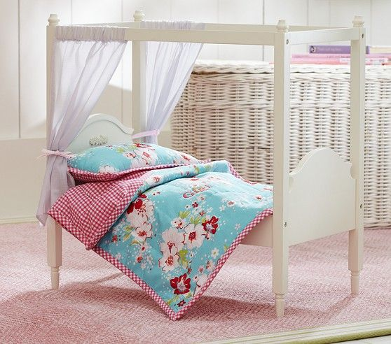 Madeline Quilt Pottery Barn Kids: Doll Madeline Canopy Bed & Lakehouse Bedding