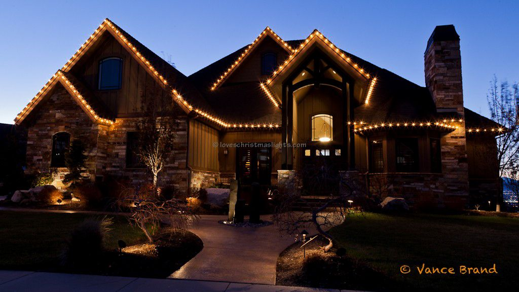Residential Outdoor Christmas Light Display standard