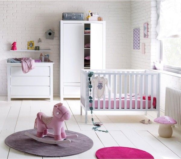 Chambre Bébé Fille | Chambre bébé fille, Mur en brique et Bébé - filles