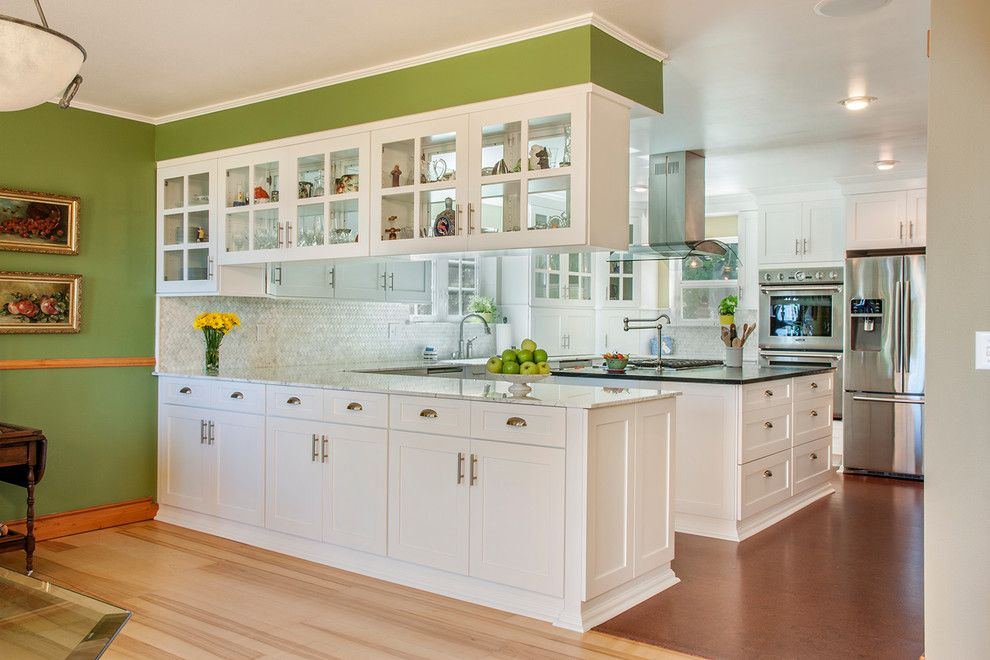 Best Peninsula With Upper Cabinets Kitchen Traditional With 400 x 300