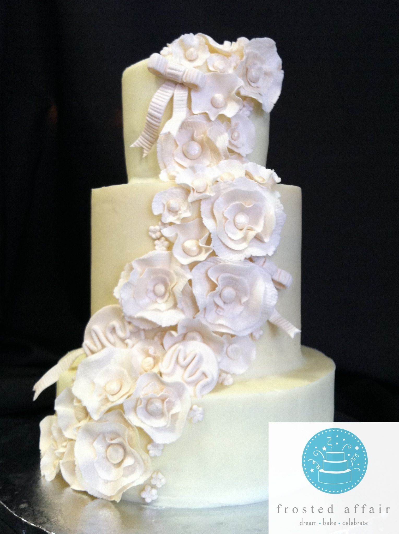 Elegant White Flowers on a Wedding Cake! Notice the hidden Mr. & Mrs ...