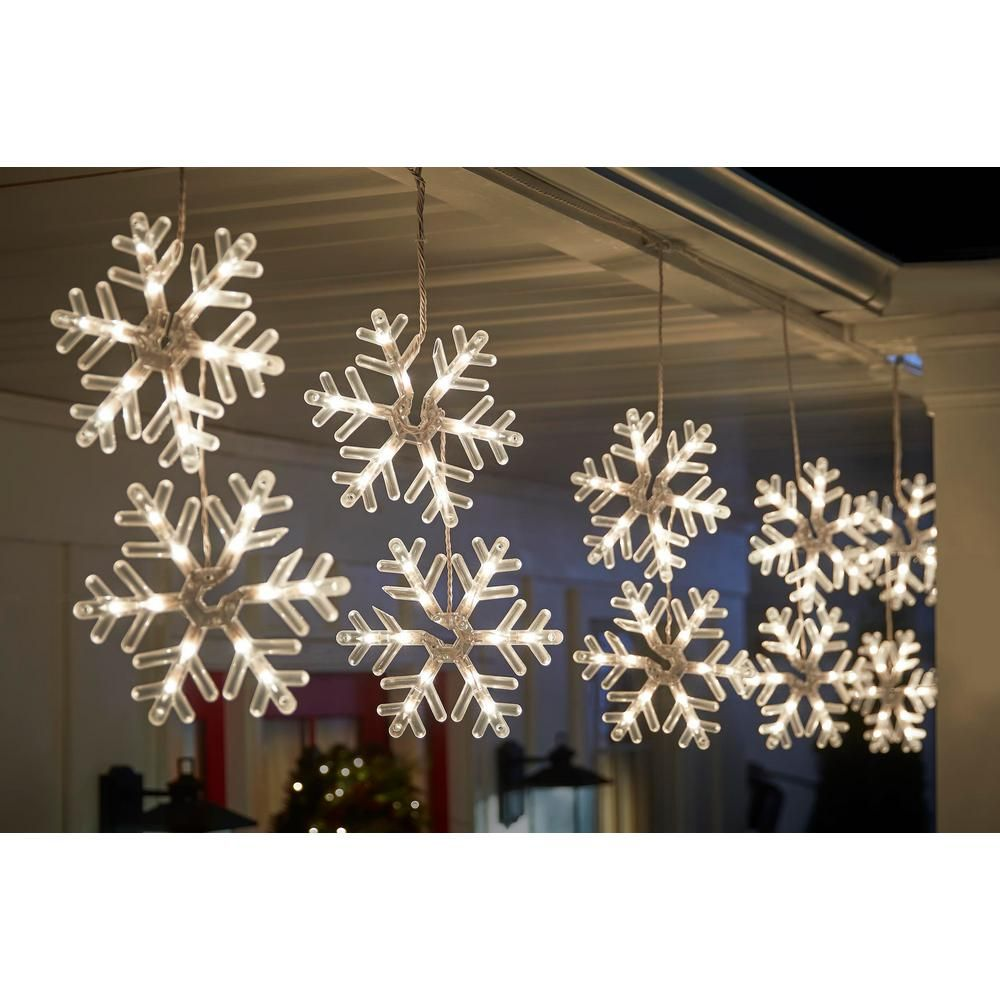 Home Accents Holiday 72 Light Clear Incandescent Snowflake Light 3 Snowflakes Per Pack Ty054 1918 The Home Depot Snowflake Lights Outdoor Snowflake Lights Christmas Lights Garland