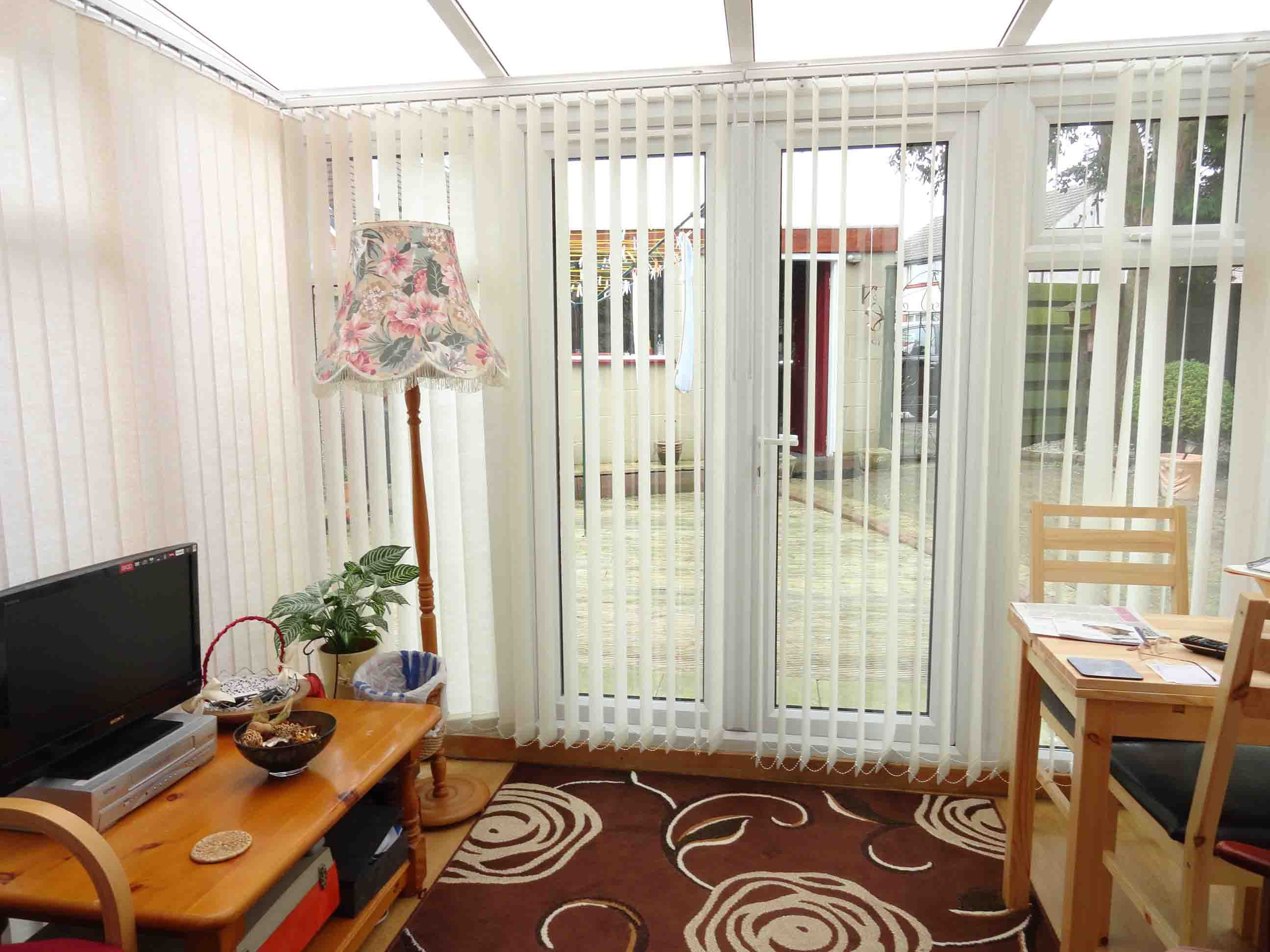 Interior White Tone Vertical Door Curtains Blinds Mixed Floral