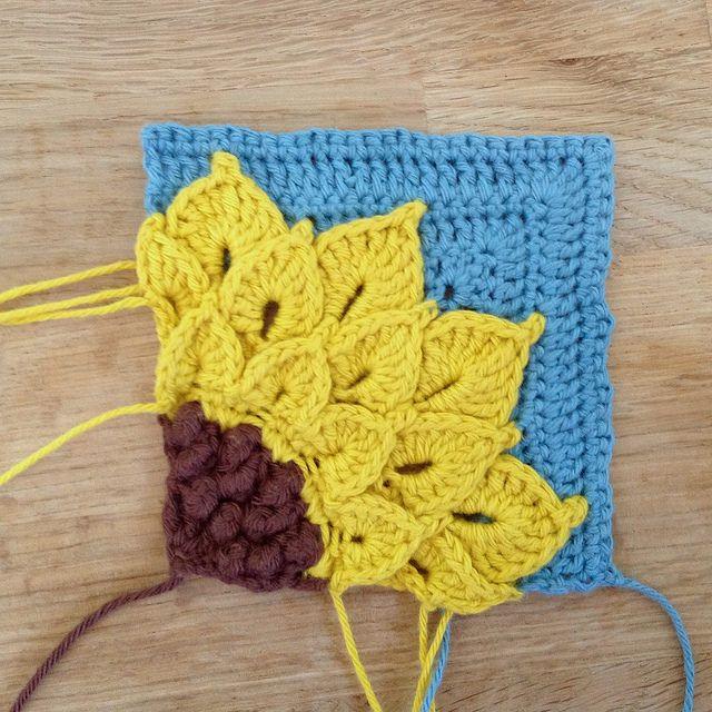 Quarter Sunflower Square: free #crochet pattern by Suvi