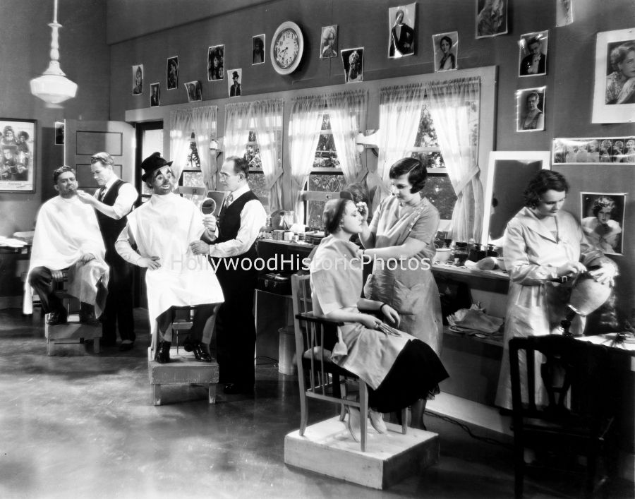 MGM 1928 Makeup Department Old hollywood, Movie scenes, Mgm