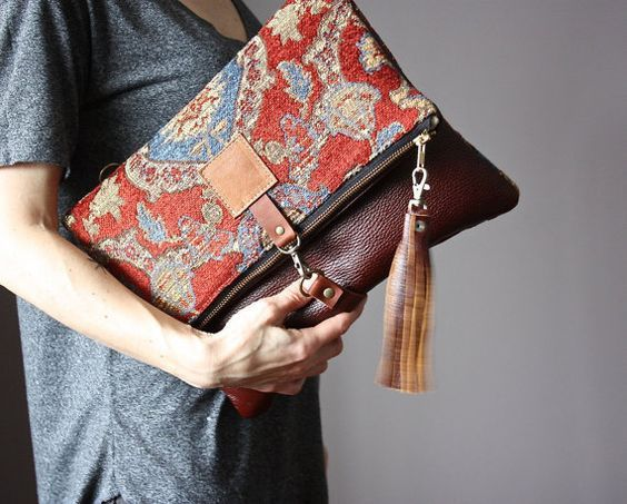Bags Made Of Tapestry Which Wants To Wear The Traffic