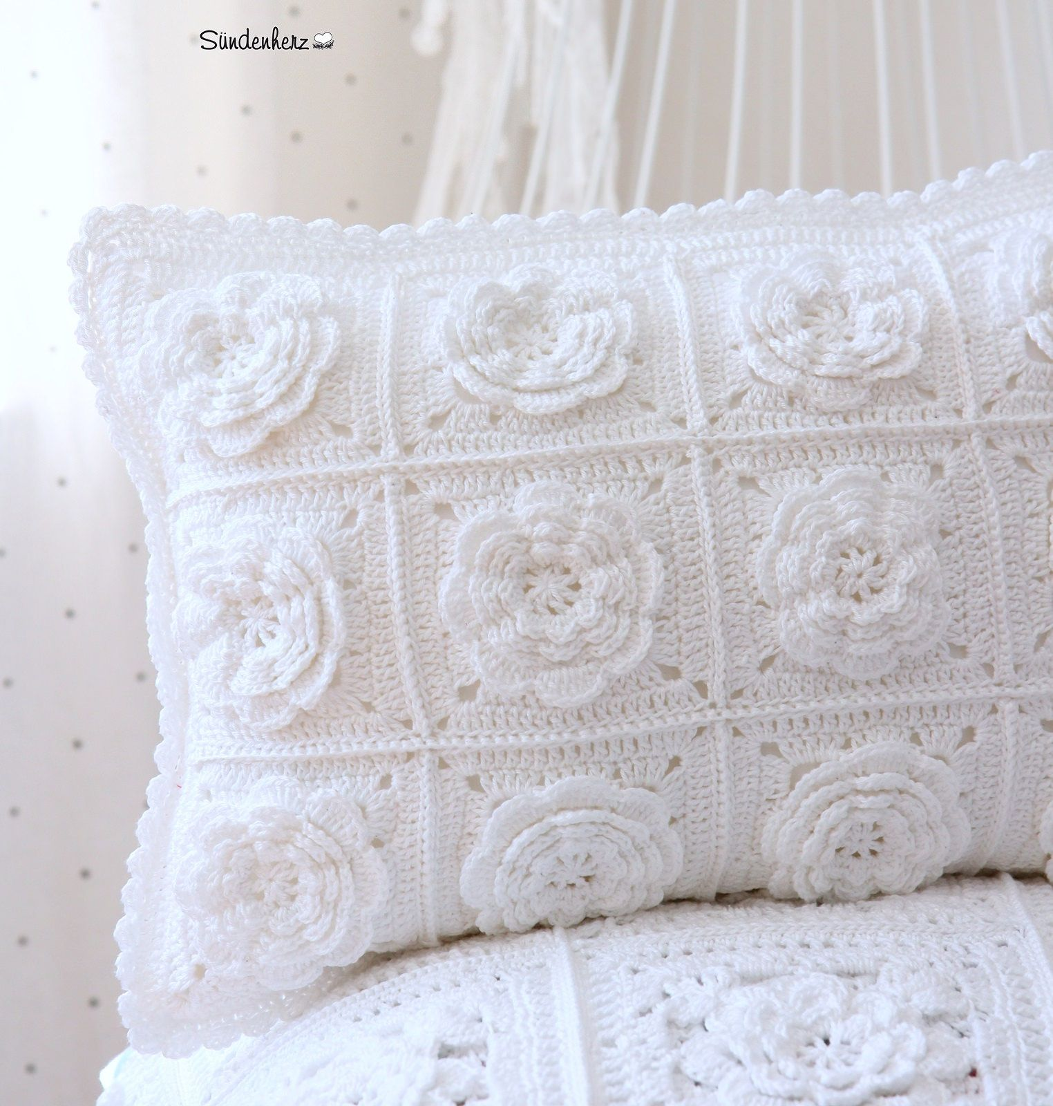 Crochet Flower Cushion   almohadones soñados   Pinterest