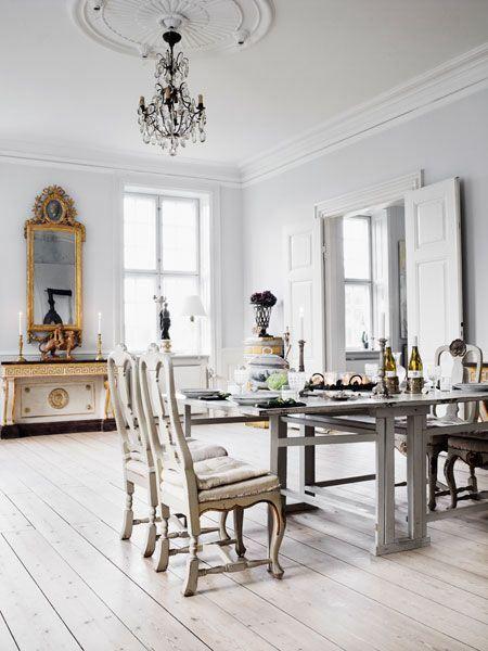interiors5.jpg 450×600 pixels
