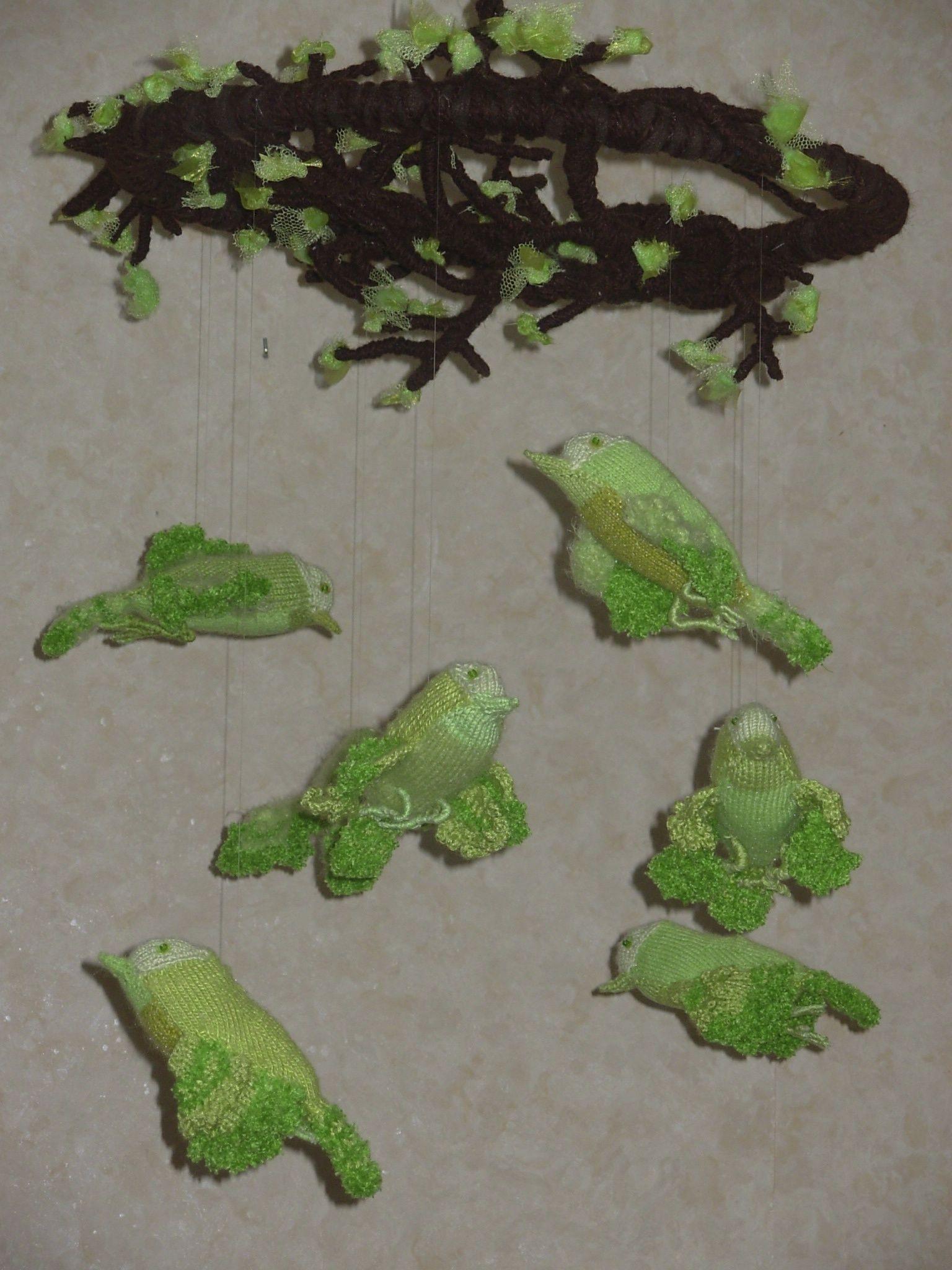 Geelgroenvogels - zie website voor beschrijving: http://www.feathers-and-dragons.simpsite.nl/regenboogvogels