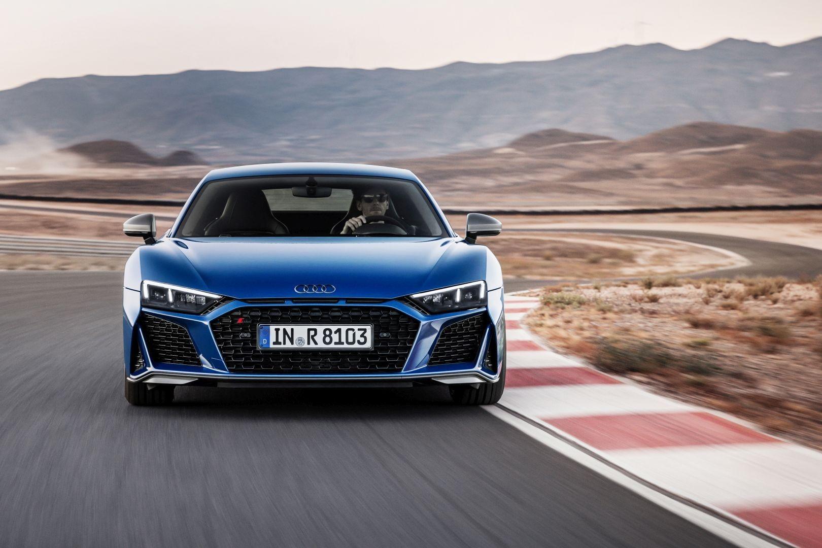 Audi R8 Coupe Specs Photos 2018 2019 2020 Audi R8 Bmw Audi R8 V10
