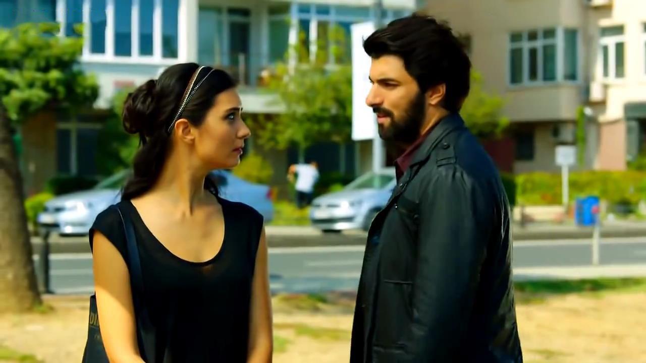 أقوى أغنية حزينة جامدة جدا حبيبتك خدها غيرك المسلسل التركي العشق الأسود Kara Para Ask Youtube Handsome Looking Gorgeous