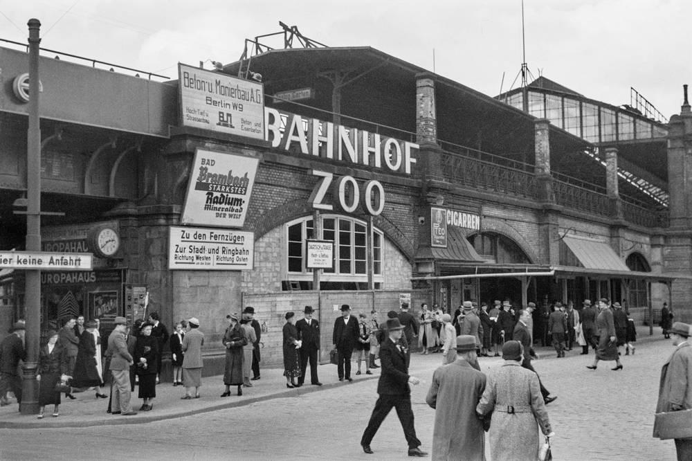1937 Am Bahnhof Zoologischer Garten Scenes Street Street View