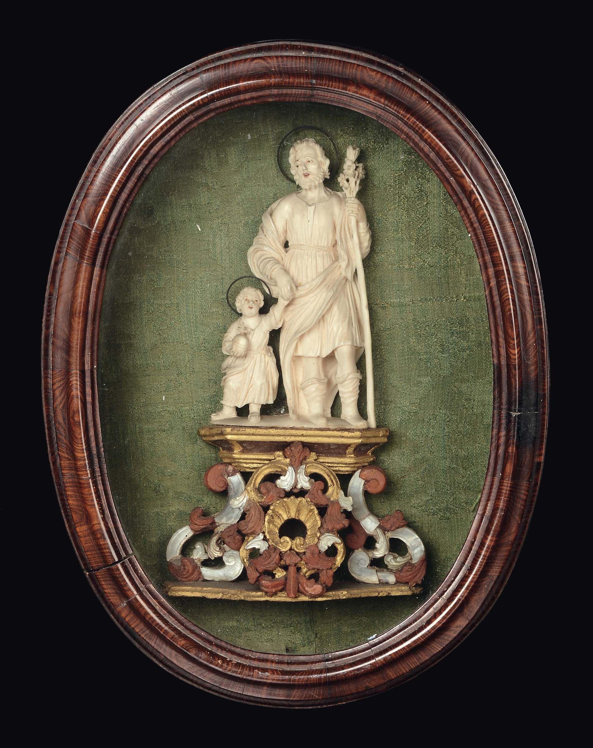 Scultura in avorio raffigurante San Giuseppe e Gesù bambino, Maestranze trapanesi, Bottega dei Tipa, XVIII secolo cm 18x11