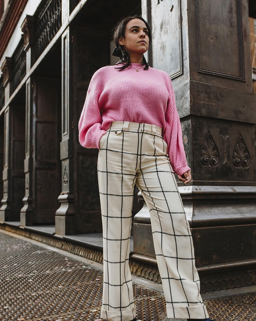 Pink sweater outfit   Checked pants   Sweater weather   Plaid pants   Fashion Blogger   NYC blogger   Travel blogger   @plsdotell