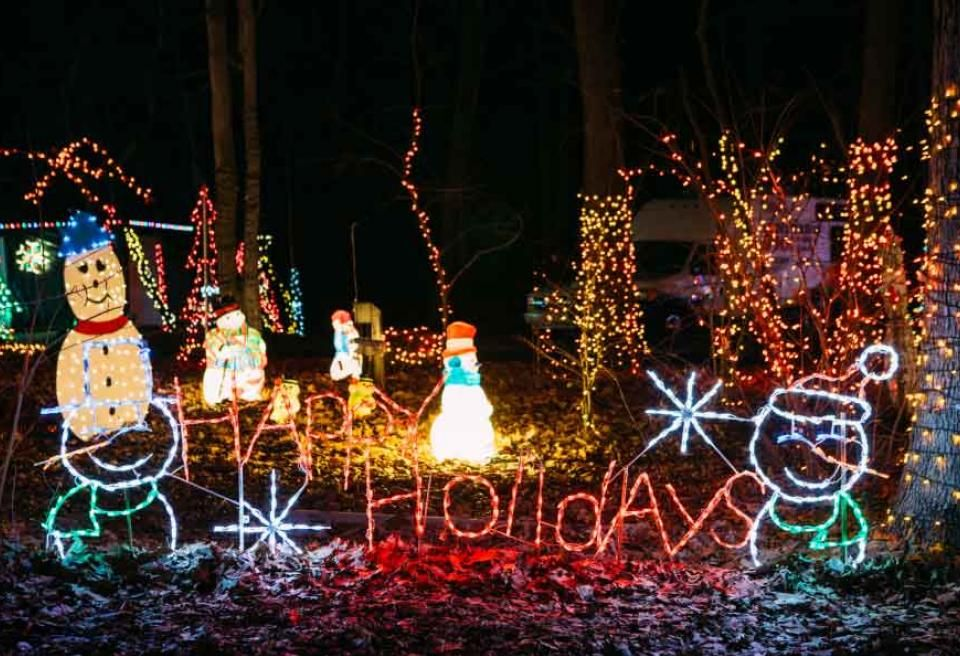 15 Spectacular Holiday Light Displays In Pennsylvania Places To Visit Holiday Lights Holiday Christmas Ornaments