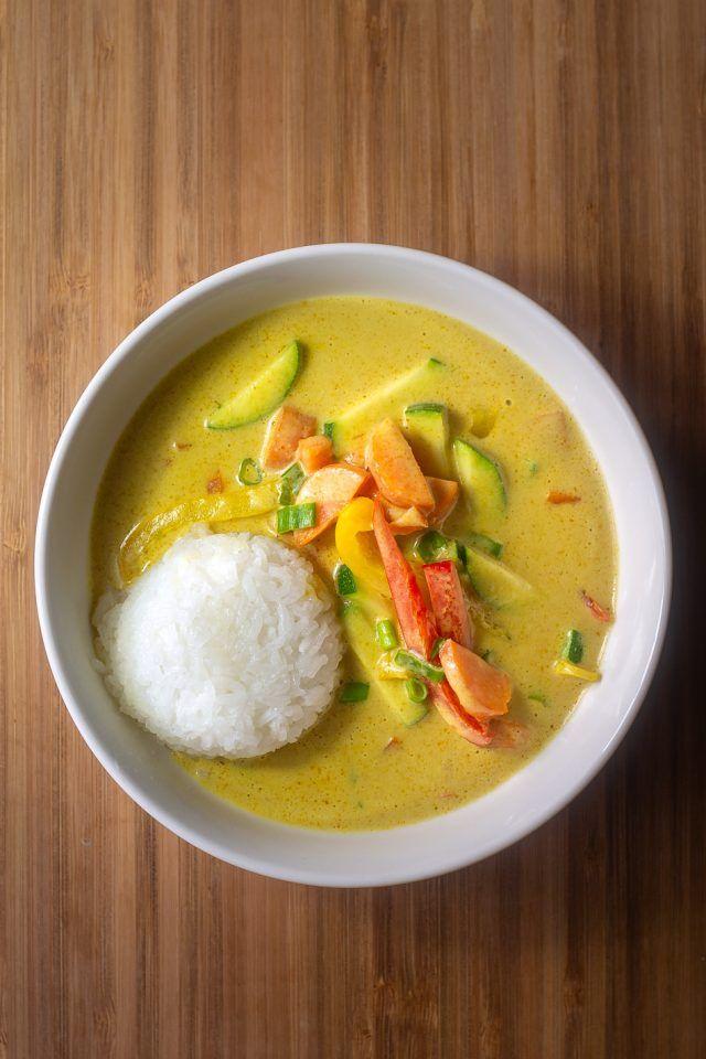 Yellow Thai Curry Vegan With Coconut Milk And Vegetables Recipe Vegane Alternativen Recipe Thai Curry Recipes Vegetarian Vegan Thai Curry Recipe Vegetarian Yellow Curry