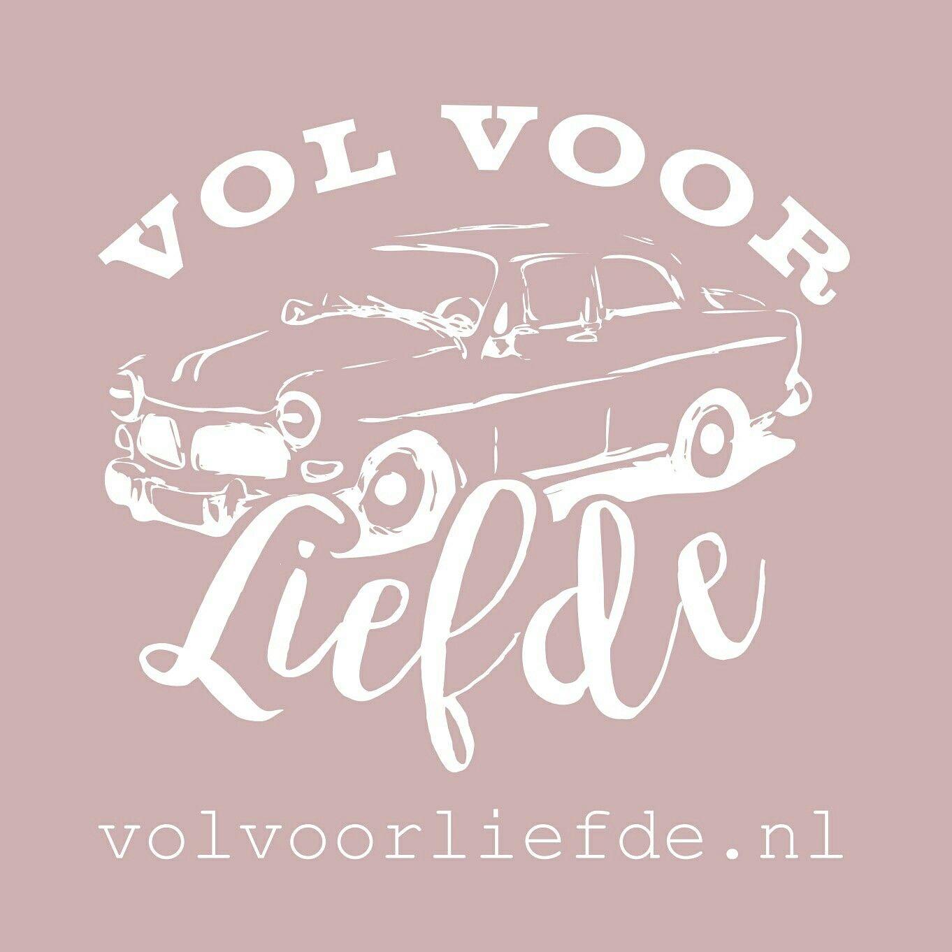 Yes! Logo check - Website check - Visitekaartjes check. Let's take him for a ride! #volvoorliefde #volvo #volvoamazon #trouwauto #trouwdag #trouwen #trouwrijden #oldtimer #mooioud #jemooistedag #degrotedag #dagvanjeleven #bruid #bruidegom #liefde #trouwdag #liefde