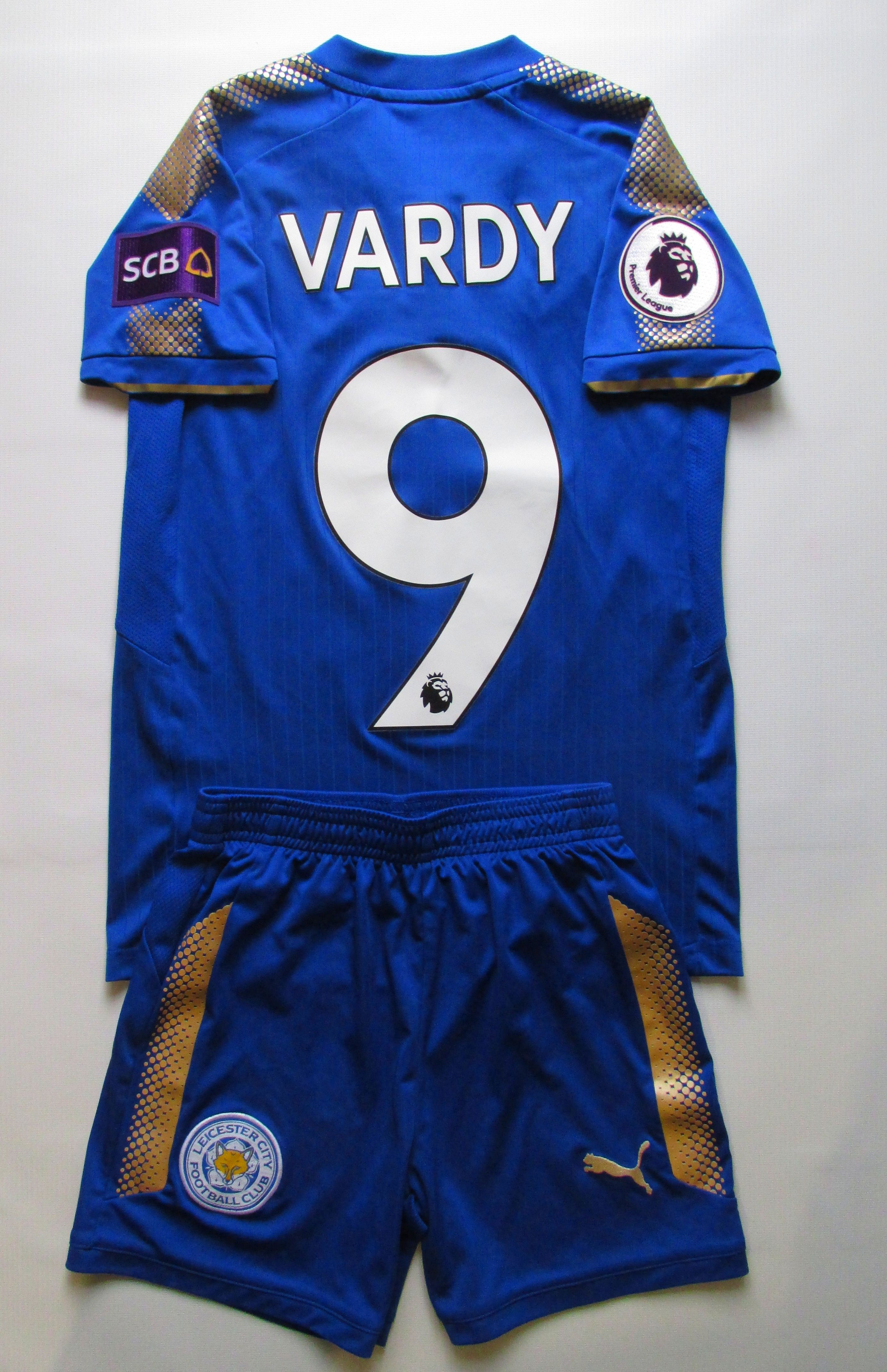 Leicester City 2017 2018 Home Kids Football Kit By Puma Jamie Vardy In 2020 Kids Football Kits Football Kits Leicester City
