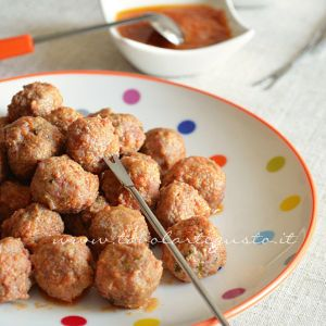 Polpette in umido di carne e salsiccia