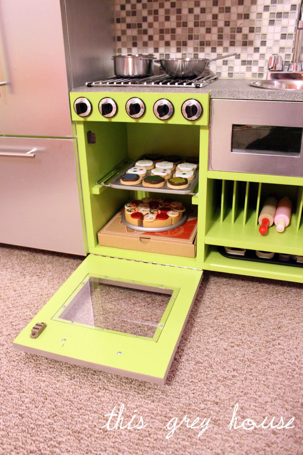 Amazing play kitchen set up Diy play kitchen, Kids play