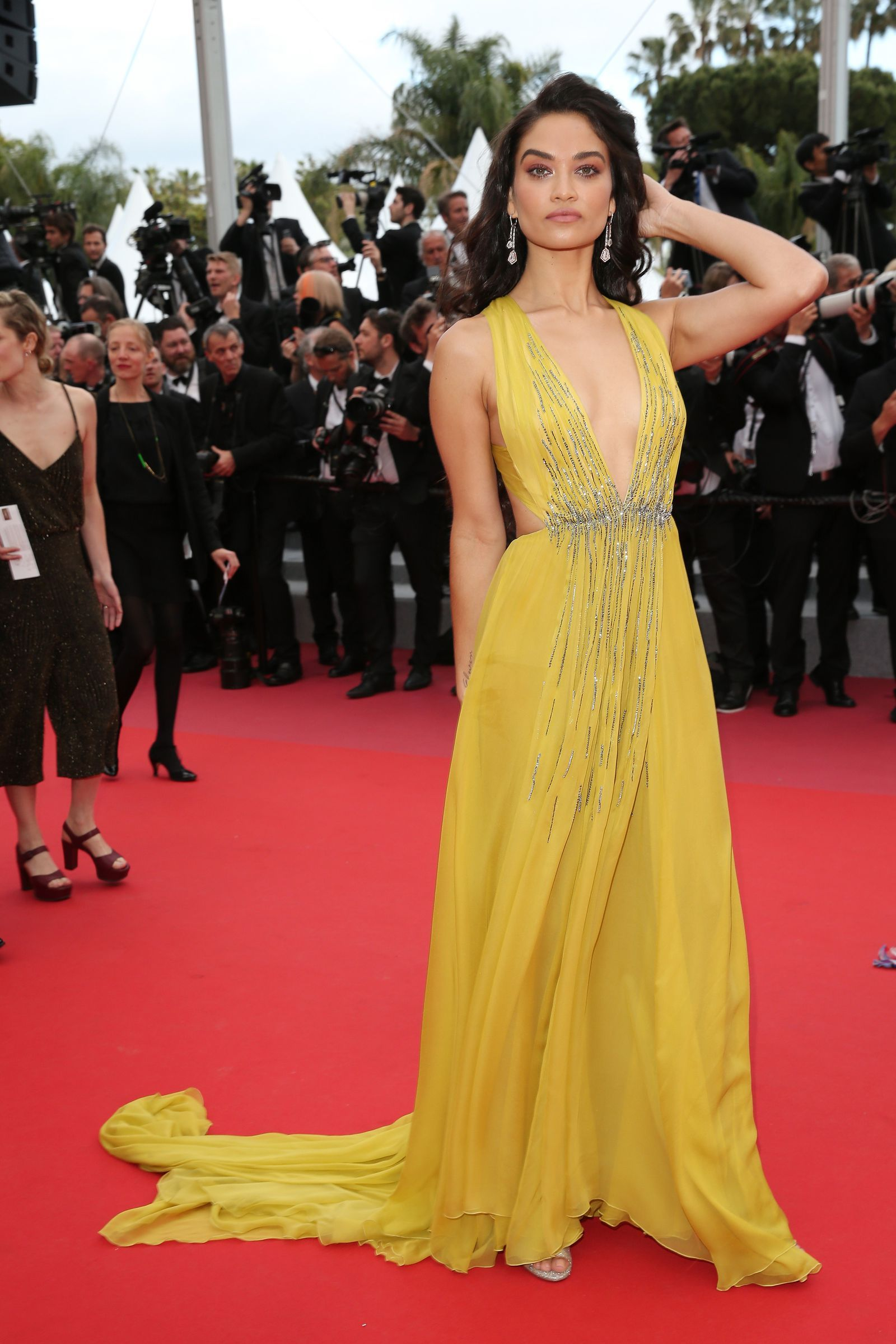Watch Dreamy: The 33 Most Gorgeous Cannes Looks of All Time video