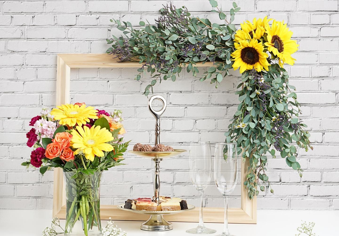 Diy floral photo booth frame for your next party