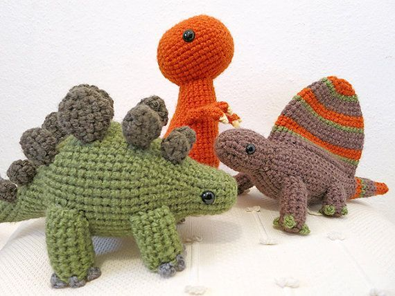 Crochet Dinosaur PATTERN BUNDLE 1 - Amigurumi Dimetrodon, Tyrannosaurus, Stegosaurus Plush Dolls #crochetdinosaurpatterns #crochetdinosaurpatterns