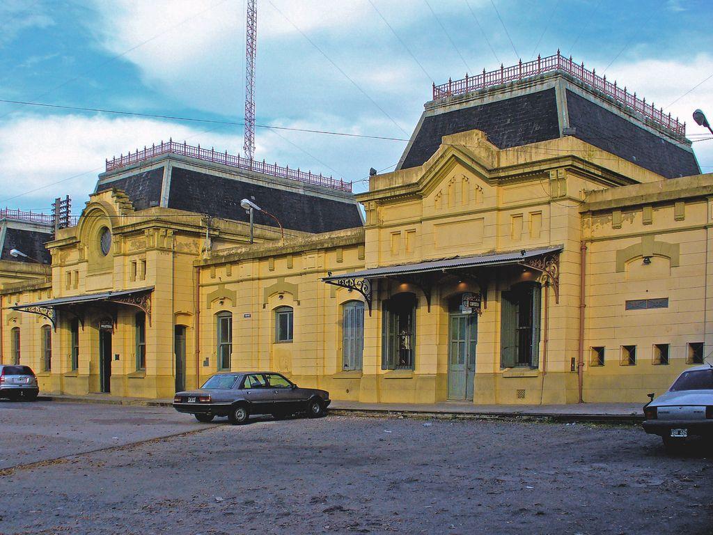 https://flic.kr/p/4HYyFM | Lujan_04 | Estacion de ferrocarril_Luján_Buenos Aires_Argentina