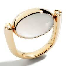 Antonini -. Rose gold Roma ring with moonstone and diamonds. Photo courtesy press office