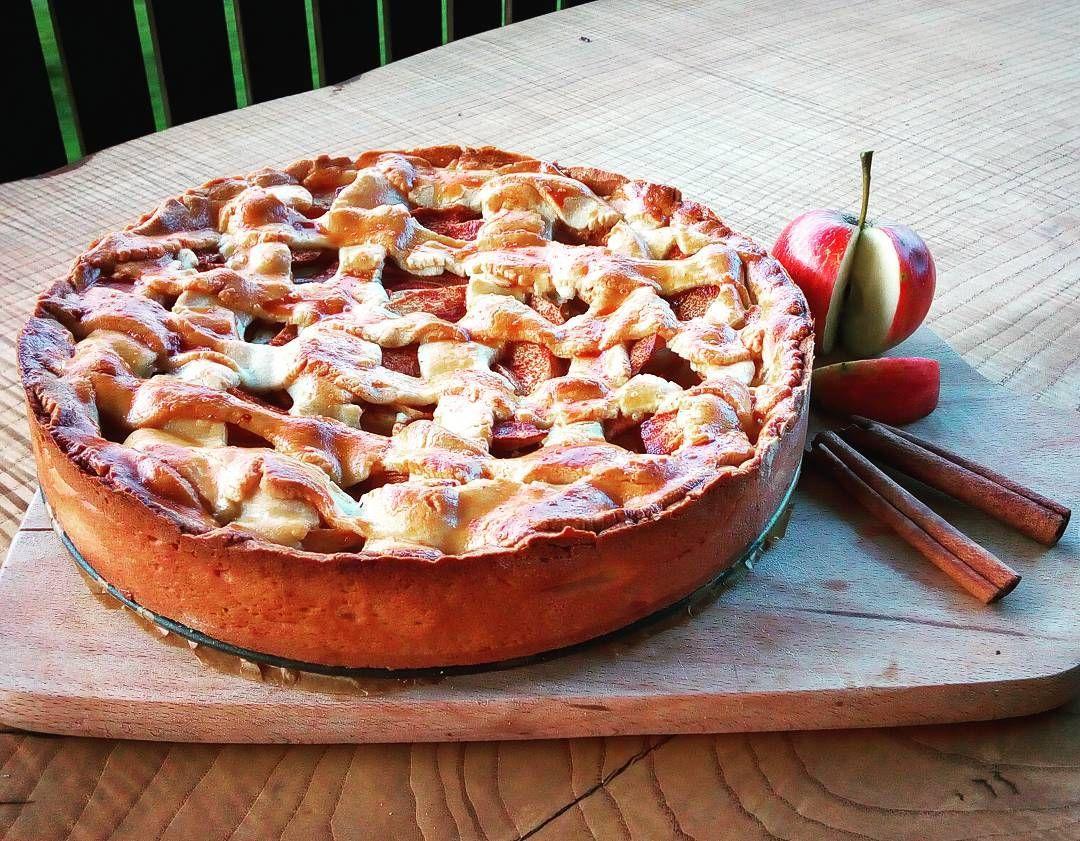 Podzim je tady jablíčka a skořice voní až ven #autumn #pie #applepie #americanpie #apple #cinnamon #sweet #cake #bake #baking #inlovewithbaking #Mufnapeče #czechbakers #baker #happiness #lovely