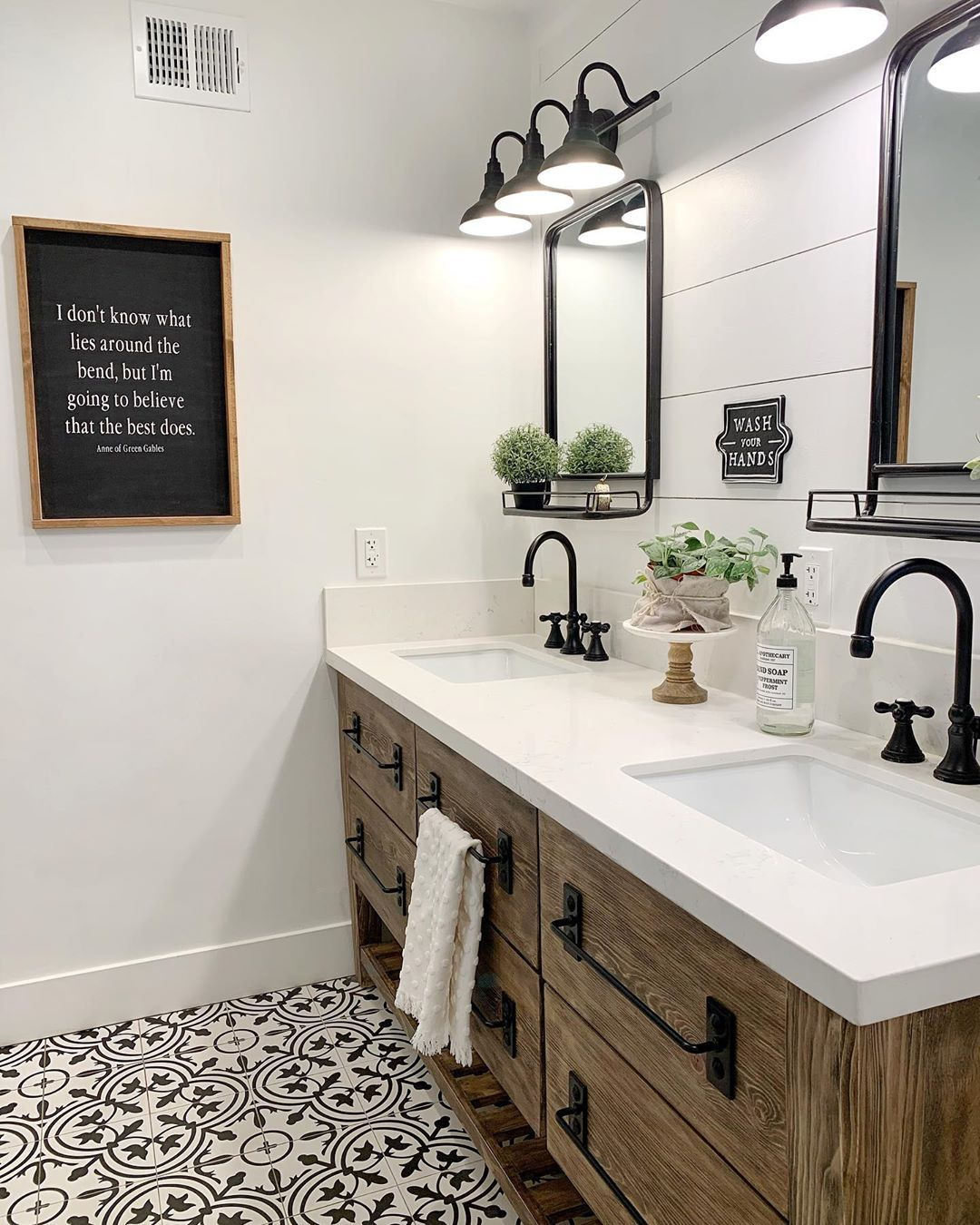 Farmhouse Bathroom Remodel
