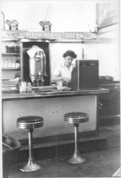 Cashier At The Burger Bar In The 1950u0027s   Bristol, Va