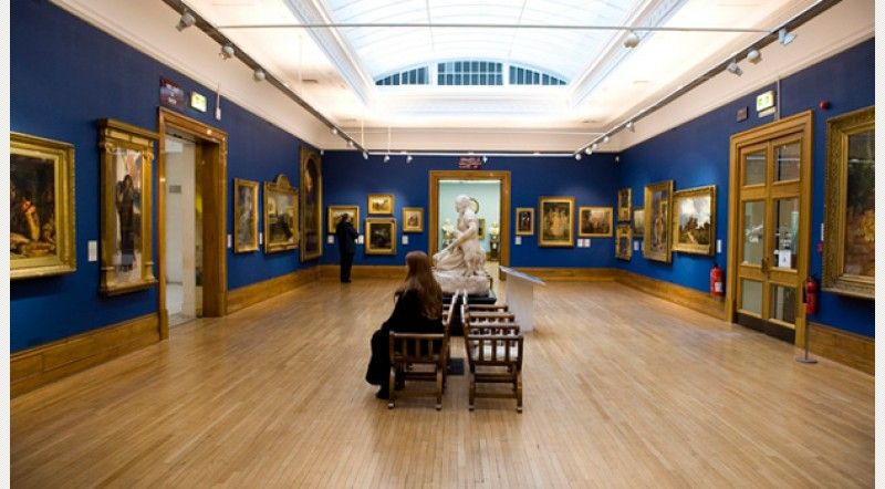 10 Ferens Art Gallery Hull 156 137 Visitors In 2012 Eating Before Bed Hull England Kingston Upon Hull