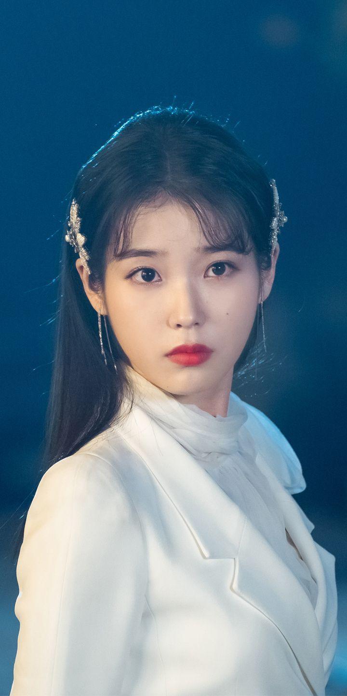 Iu Wallpaper Iu Wallpaper In 2020 Iu Hair Asian Beauty Korean Girl