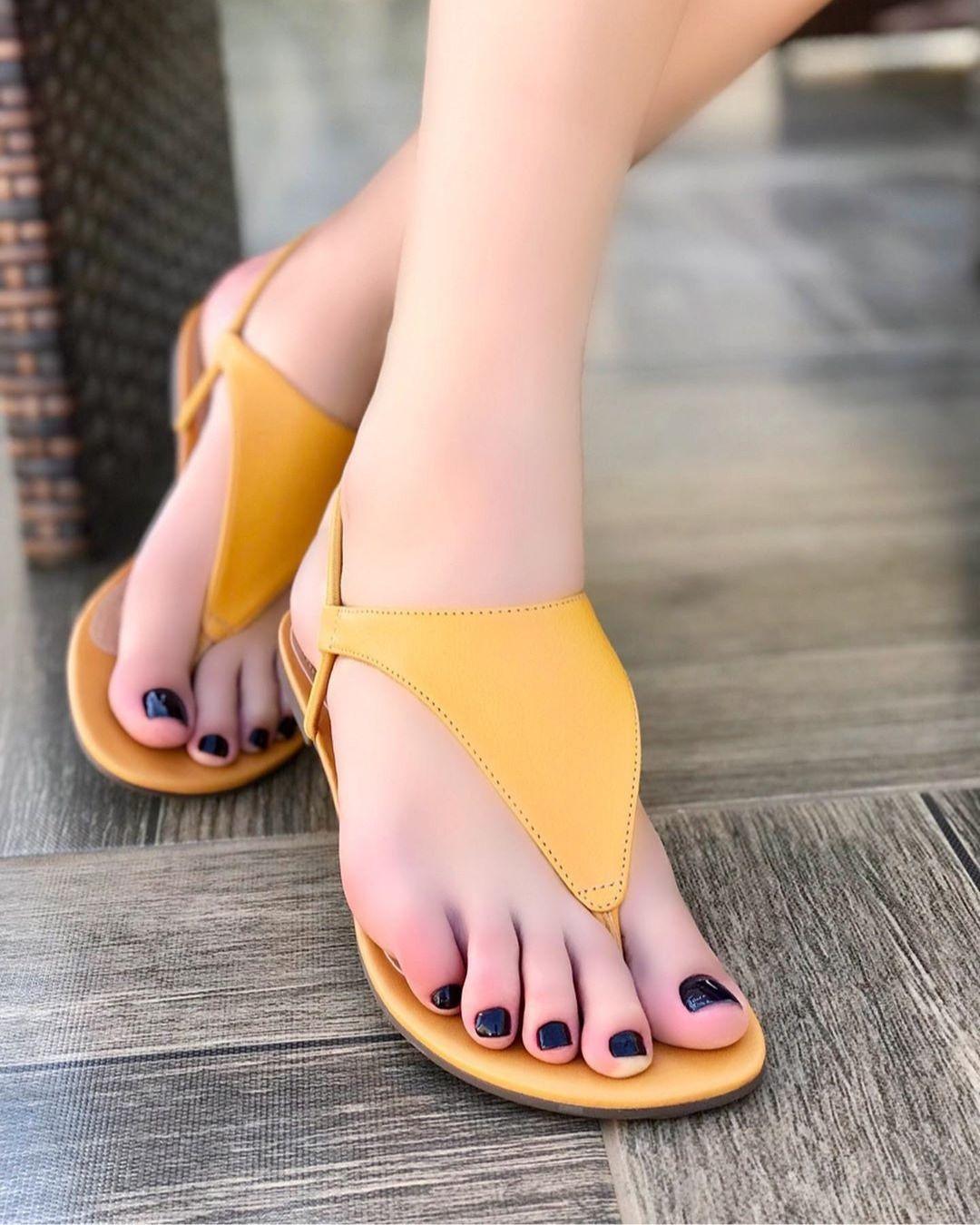 2 Girls Feet Humiliation