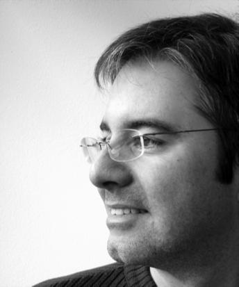 """En Yeeply hemos tenido la oportunidad de hablar con Fernando Rodríguez y hacerle una entrevista para nuestro blog sobre el sector de desarrollo de aplicaciones móviles y sobre la formación en este sector. Nos ha dado las claves a las dudas sobre el sector. Ana Mocholí: Antes de nada, cuéntanos u... Fernando Rodríguez: """"Al desarrollar, es vital empezar con iOS y si la app tiene éxito, portarla a Android"""" en http://www.yeeply.com/blog/entrevista-fernando-rodriguez-desar"""
