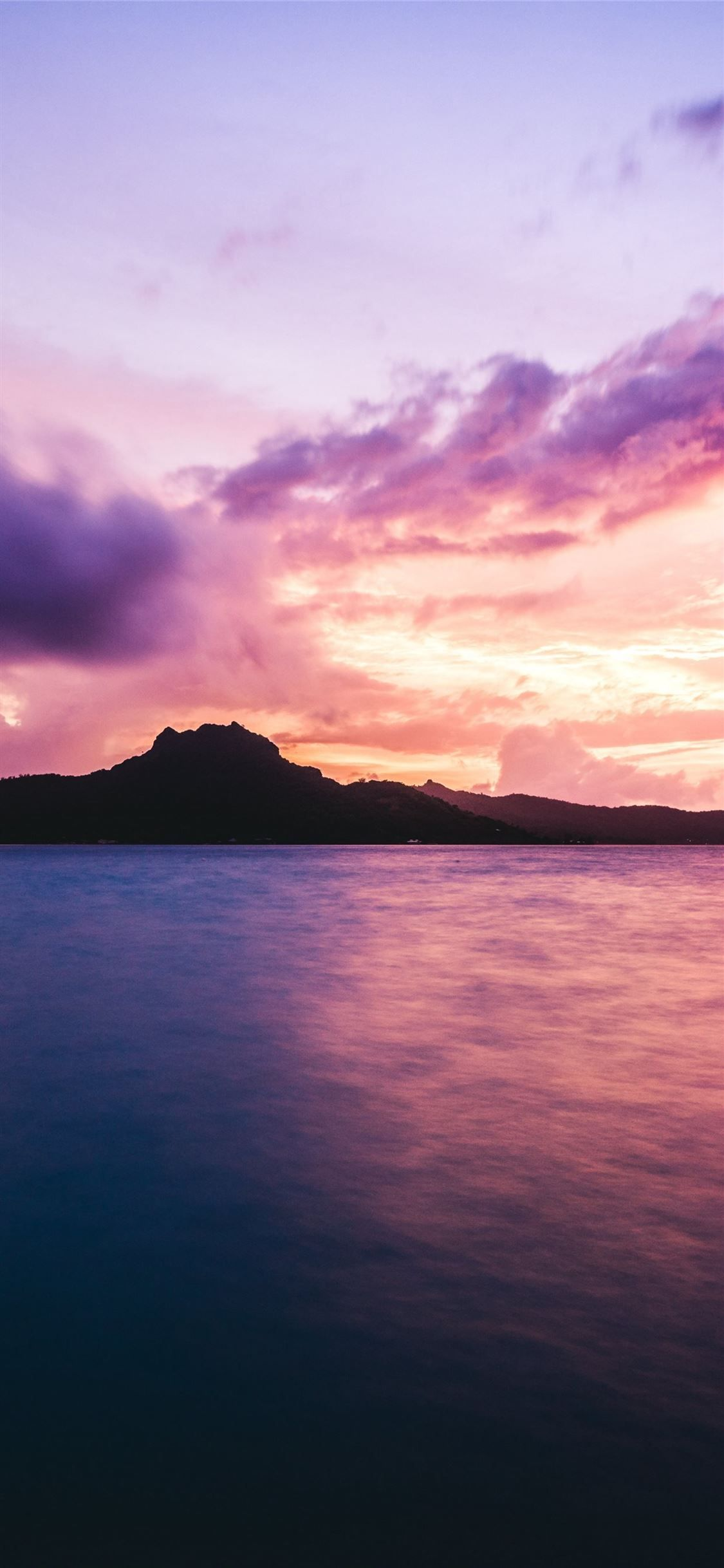 Ocean Rocks Clouds Bora Bora Borabora 100mostbeautifulplacestovisit Frenchpolynesia Iphone11wallpaper Clouds Bora Bora Wallpaper